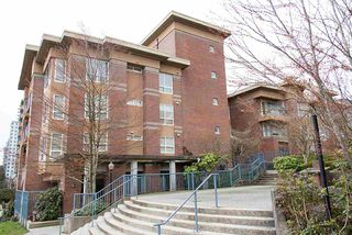Photo 1: 305 335 CARNARVON STREET in New Westminster: Downtown NW Condo for sale : MLS®# R2153144