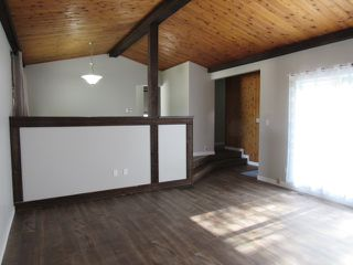 Photo 4: 34 Fawcett Crescent in St. Albert: House for rent