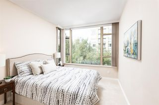 """Photo 15: 401 2580 TOLMIE Street in Vancouver: Point Grey Condo for sale in """"Point Grey Place"""" (Vancouver West)  : MLS®# R2397003"""