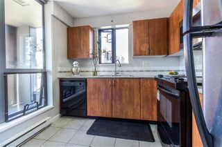 """Photo 5: 404 850 ROYAL Avenue in New Westminster: Downtown NW Condo for sale in """"The Royalton"""" : MLS®# R2400231"""