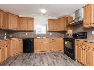 "Photo 10: 4B 26892 FRASER Highway in Langley: Aldergrove Langley Manufactured Home for sale in ""Aldergrove Mobile Home Park"" : MLS®# R2435612"