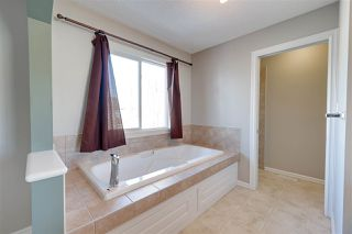 Photo 27: 1826 HOLMAN Crescent in Edmonton: Zone 14 House for sale : MLS®# E4189588
