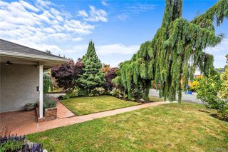 Photo 29: 3237 Service St in Saanich: SE Camosun House for sale (Saanich East)  : MLS®# 844288