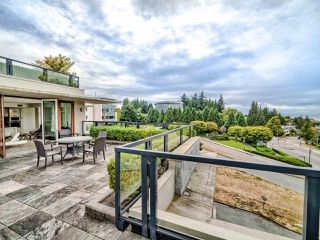 """Photo 4: 305 6093 IONA Drive in Vancouver: University VW Condo for sale in """"Coast"""" (Vancouver West)  : MLS®# R2489520"""