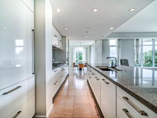 """Photo 11: 305 6093 IONA Drive in Vancouver: University VW Condo for sale in """"Coast"""" (Vancouver West)  : MLS®# R2489520"""