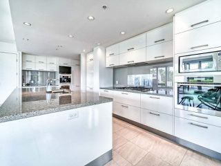 """Photo 13: 305 6093 IONA Drive in Vancouver: University VW Condo for sale in """"Coast"""" (Vancouver West)  : MLS®# R2489520"""