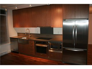"Photo 6: 910 251 E 7TH Street in Vancouver: Mount Pleasant VE Condo for sale in ""DISTRICT"" (Vancouver East)  : MLS®# V936641"