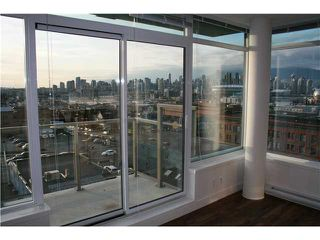 "Photo 8: 910 251 E 7TH Street in Vancouver: Mount Pleasant VE Condo for sale in ""DISTRICT"" (Vancouver East)  : MLS®# V936641"