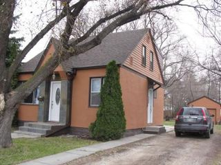 Photo 1: Beautiful 3 Bedroom One and 1/2 Storey