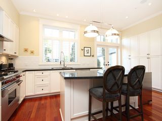 Photo 2: 2580 VINE Street in Vancouver: Kitsilano Townhouse for sale (Vancouver West)  : MLS®# V989268