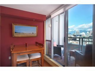 "Photo 5: # 2204 1238 RICHARDS ST in Vancouver: Yaletown Condo for sale in ""Metropolis"" (Vancouver West)  : MLS®# V1023546"
