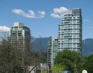 Photo 2: # 405 828 CARDERO ST in Vancouver: West End VW Condo for sale (Vancouver West)  : MLS®# V772918
