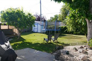 Photo 2: 19 Concord Avenue in Winnipeg: West Fort Garry Single Family Detached for sale (South Winnipeg)  : MLS®# 1419783