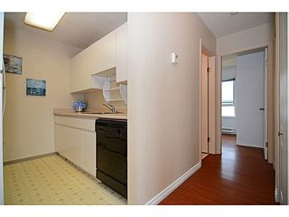 Photo 6: 403 4950 MCGEER STREET in Vancouver: Collingwood VE Condo for sale (Vancouver East)  : MLS®# V1142563