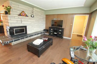 Photo 5: 2051 Yeovil Avenue in Burnaby: Montecito House for sale (Burnaby North)  : MLS®# R2028496