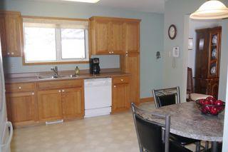 Photo 4: 15 Lakeglen Drive in Winnipeg: waverley heights Single Family Detached for sale (South Winnipeg)  : MLS®# 1603083