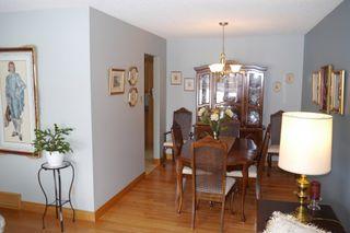 Photo 3: 15 Lakeglen Drive in Winnipeg: waverley heights Single Family Detached for sale (South Winnipeg)  : MLS®# 1603083