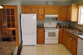 Photo 5: 15 Lakeglen Drive in Winnipeg: waverley heights Single Family Detached for sale (South Winnipeg)  : MLS®# 1603083