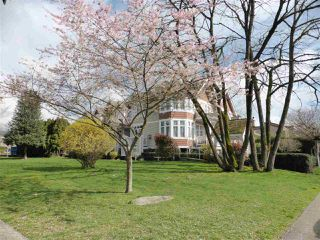 Photo 18: 218 E 10TH STREET in North Vancouver: Central Lonsdale Townhouse for sale : MLS®# R2045615