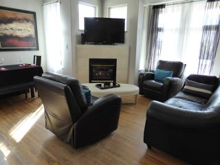 Photo 6: 218 E 10TH STREET in North Vancouver: Central Lonsdale Townhouse for sale : MLS®# R2045615