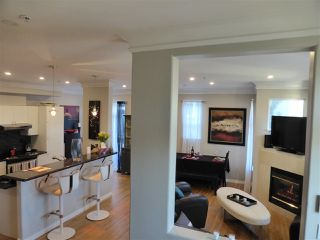 Photo 9: 218 E 10TH STREET in North Vancouver: Central Lonsdale Townhouse for sale : MLS®# R2045615