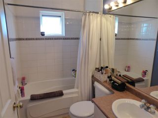 Photo 12: 218 E 10TH STREET in North Vancouver: Central Lonsdale Townhouse for sale : MLS®# R2045615