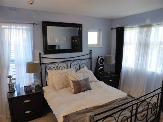 Photo 11: 218 E 10TH STREET in North Vancouver: Central Lonsdale Townhouse for sale : MLS®# R2045615