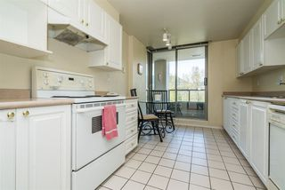 Photo 10: 805 3070 GUILDFORD WAY in Coquitlam: North Coquitlam Condo for sale : MLS®# R2261812
