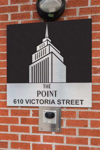 Photo 2: The Point - 401 610 Victoria Street, New Westminster BC