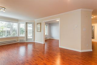 "Photo 3: 105 1369 GEORGE Street: White Rock Condo for sale in ""CAMEO TERRACE"" (South Surrey White Rock)  : MLS®# R2435625"