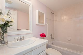 "Photo 13: 105 1369 GEORGE Street: White Rock Condo for sale in ""CAMEO TERRACE"" (South Surrey White Rock)  : MLS®# R2435625"