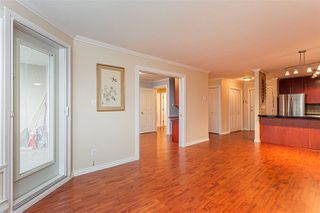 "Photo 4: 105 1369 GEORGE Street: White Rock Condo for sale in ""CAMEO TERRACE"" (South Surrey White Rock)  : MLS®# R2435625"