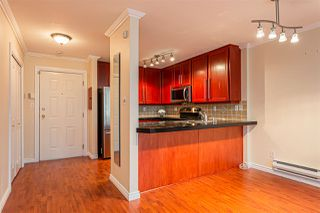 """Photo 6: 105 1369 GEORGE Street: White Rock Condo for sale in """"CAMEO TERRACE"""" (South Surrey White Rock)  : MLS®# R2435625"""