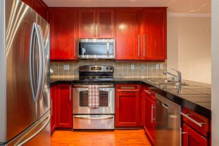 "Photo 8: 105 1369 GEORGE Street: White Rock Condo for sale in ""CAMEO TERRACE"" (South Surrey White Rock)  : MLS®# R2435625"