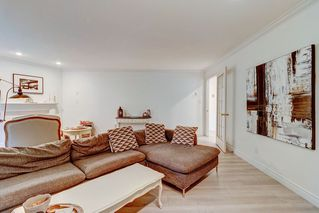 """Photo 3: 1213 PLATEAU Drive in North Vancouver: Pemberton Heights Townhouse for sale in """"Plateau Village"""" : MLS®# R2455455"""