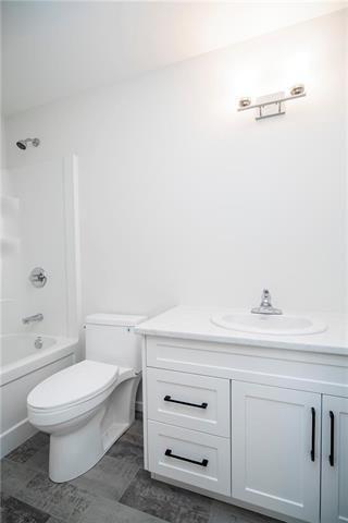 Photo 18: 1147 Parker Avenue in Winnipeg: West Fort Garry Residential for sale (1Jw)  : MLS®# 202011272