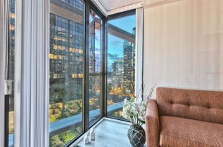 "Photo 5: 807 1331 W GEORGIA Street in Vancouver: Coal Harbour Condo for sale in ""THE POINTE"" (Vancouver West)  : MLS®# R2483635"