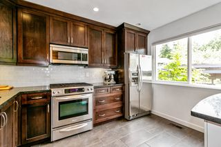 """Photo 6: 2315 MOUNTAIN Highway in North Vancouver: Lynn Valley Townhouse for sale in """"Yorkwood Park"""" : MLS®# R2483736"""