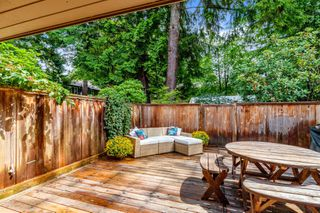 """Photo 19: 2315 MOUNTAIN Highway in North Vancouver: Lynn Valley Townhouse for sale in """"Yorkwood Park"""" : MLS®# R2483736"""