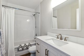 """Photo 15: 2315 MOUNTAIN Highway in North Vancouver: Lynn Valley Townhouse for sale in """"Yorkwood Park"""" : MLS®# R2483736"""