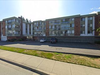 "Main Photo: 311 32040 PEARDONVILLE Road in Abbotsford: Abbotsford West Condo for sale in ""Dogwood Manor"" : MLS®# R2480525"