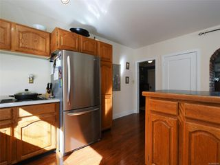 Photo 9: 544 Cornwall St in : Vi Fairfield West House for sale (Victoria)  : MLS®# 852280