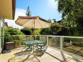 Photo 19: 544 Cornwall St in : Vi Fairfield West House for sale (Victoria)  : MLS®# 852280