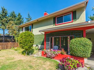 Photo 1: 2234 Blue Jay Way in : Na Cedar Single Family Detached for sale (Nanaimo)  : MLS®# 855187