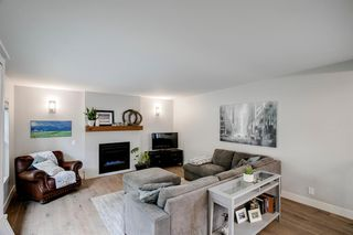 Photo 4: 315 Queen Charlotte Place SE in Calgary: Queensland Detached for sale : MLS®# A1042205