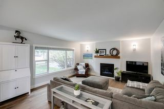 Photo 6: 315 Queen Charlotte Place SE in Calgary: Queensland Detached for sale : MLS®# A1042205