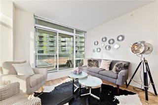 Main Photo: 307 10 Brentwood Common NW in Calgary: Brentwood Apartment for sale : MLS®# A1060420