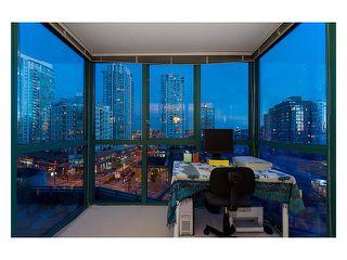 Photo 4: 702 212 DAVIE Street in Vancouver: Yaletown Condo for sale (Vancouver West)  : MLS®# V931640