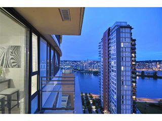 "Photo 10: 1905 33 SMITHE Street in Vancouver: Yaletown Condo for sale in ""Coopers Lookout"" (Vancouver West)  : MLS®# V954984"