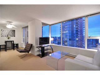 "Photo 2: 1905 33 SMITHE Street in Vancouver: Yaletown Condo for sale in ""Coopers Lookout"" (Vancouver West)  : MLS®# V954984"